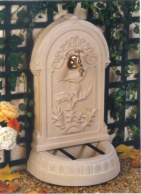 fontaine murale reconstituee exterieure de jardin fontaine en reconstitu 233 e primevere
