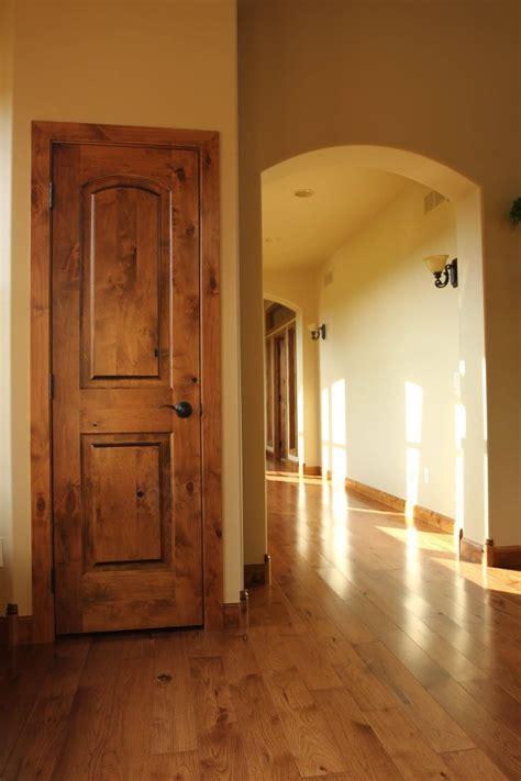 simple trim  door   feel wood doors