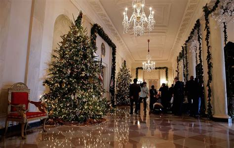white house christmas decorations photos