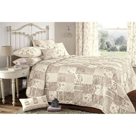 Patchwork Bedspreads Uk - dreams n drapes lila quilted patchwork bedspread