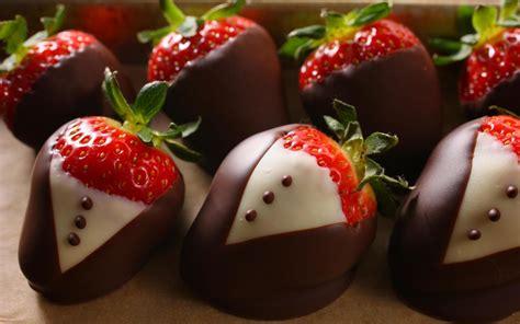 chocolate strawberries chocolate dipped strawberries recipe chowhound