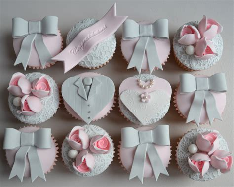 Wedding Cupcake by Paper Cakes Vintage Wedding And Groom Cupcakes