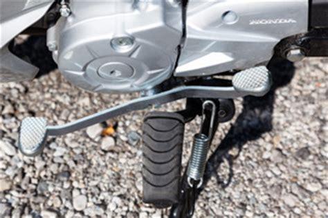Motorrad Schalten Mit Oder Ohne Kupplung by Schalten Ohne Bewegung Im Linken Fu 223 Gelenk Motorrad
