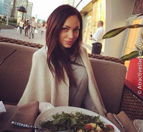 Bridal Shower Who Pays Etiquette by Elite Dating Ukraine