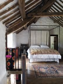 30 rustic bedroom designs to give your home country look