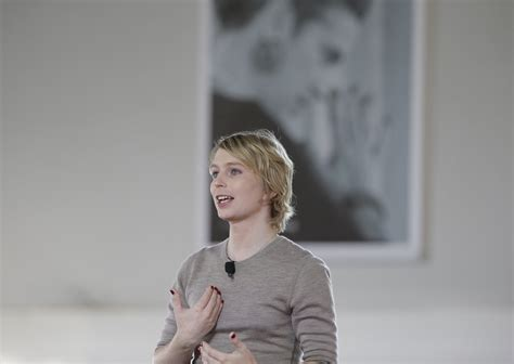 chelsea manning chelsea manning tells nantucket crowd she took a risk