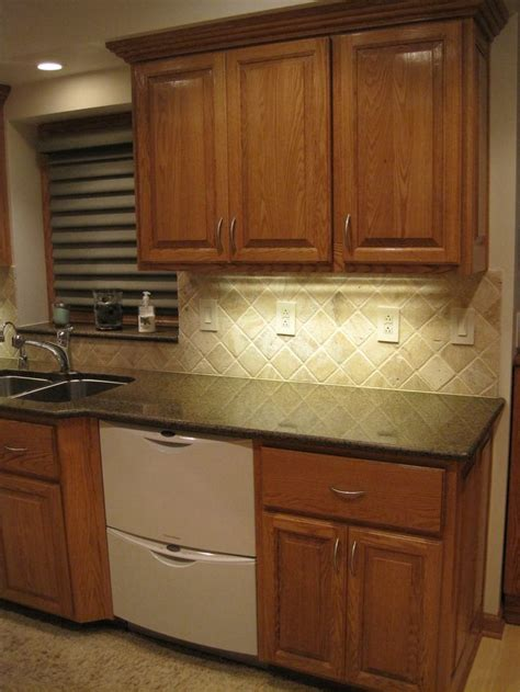 red oak cabinets kitchen red oak kitchen cabinets kitchen inspiration pinterest