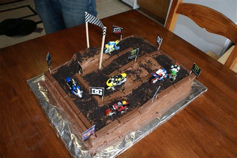 motocross bike makes dirtbike cake for a quot dirtbike quot themed this makes