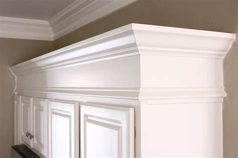 kitchen cabinets moulding the yellow cape cod sub zero and wolf delicious design