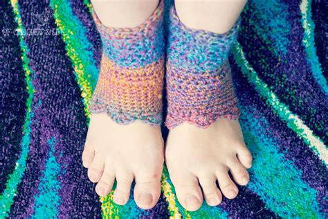 crochet pattern yoga funkilicious yoga socks allfreecrochet com