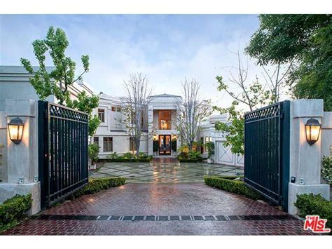 selling house exclusive after buying from tom and gisele dr dre lists
