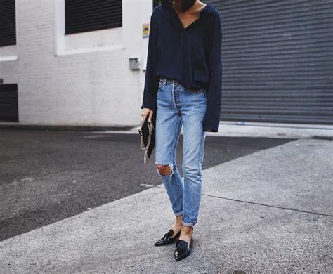 Celana Kolor Sobek 7 kesalahan pakaian wawancara kerja yang bikin kamu ditolak