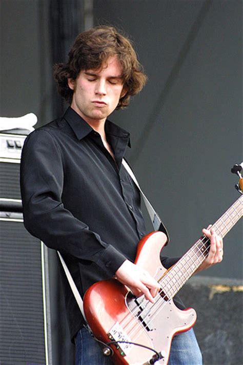 coldplay bassist guy berryman coldplay photo 75063 fanpop