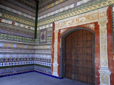 azulejos en sevilla mosaico de azulejos monasterio de la cartuja sevilla