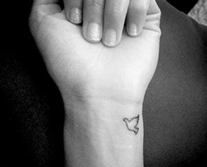 Dove Tattoo Images Designs Bird Outline Wrist