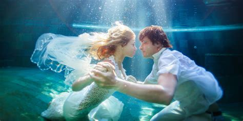 Wedding Underwater by Underwater Wedding Photography Is Trending With Brides And