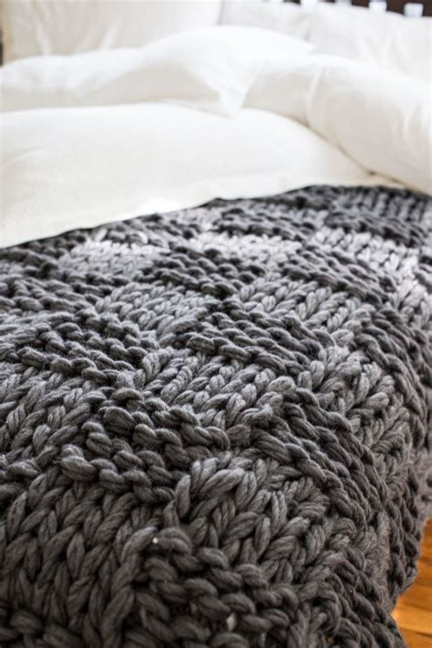 how do you knit a blanket 10 insanely gorgeous chunky knit diys page 11 nifty diys