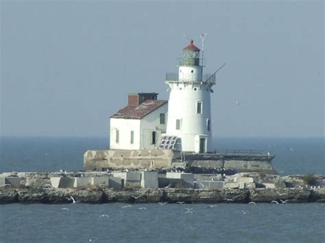 harbor lights cleveland ohio 66 best images about lighthouses of the great lakes and