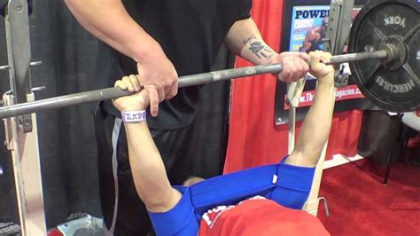 slingshot for bench press trying the sling shot out bench pressing olympia expo