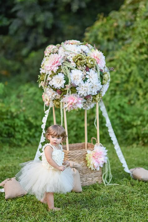 Floral hot air balloon portraits family photography 100 layer cakelet