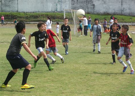 imagenes de calaveras jugando futbol polideportivo la patria noticias de caldas manizales