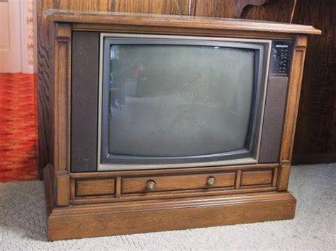 Floor Tv magnavox floor model tv