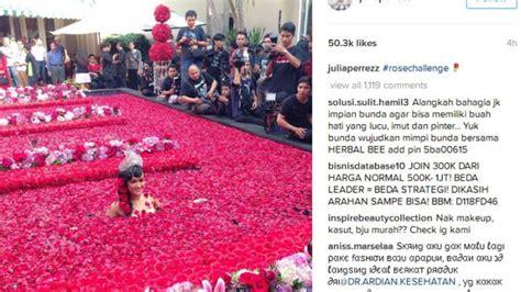 foto jupe mandi wow julia perrez mandi kembang ada apa tribunnews com
