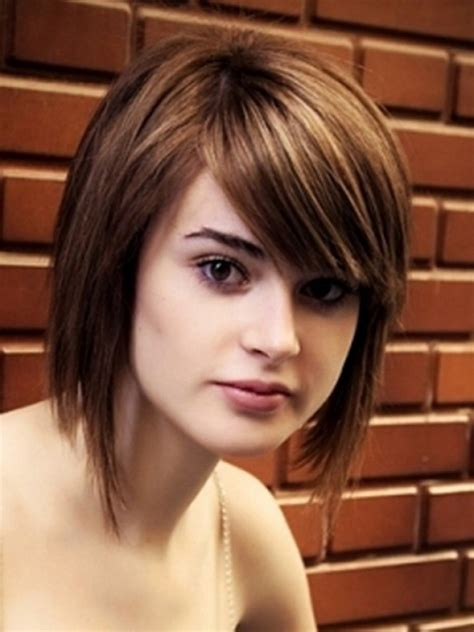 hairstyles for thick straight hair square face top 34 best short hairstyles with bangs for round faces