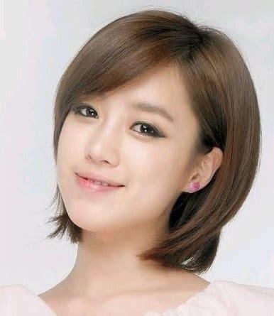 model rambut pendek wanita terbaru  bentuk wajah oval