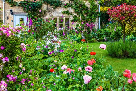 cottage garden design how to grow a cottage garden