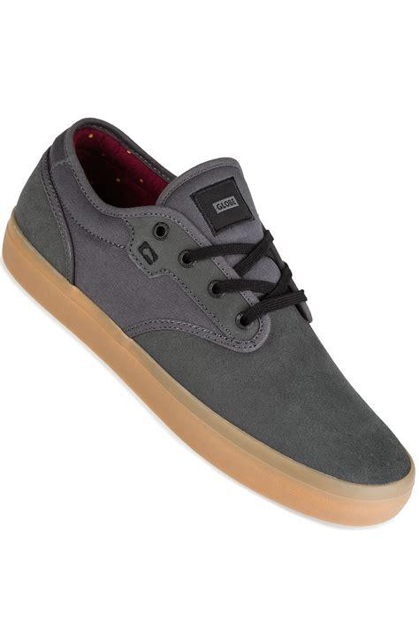 Sepatu Sneakers Globe Motley Original globe motley shoes shadow gum buy at skatedeluxe