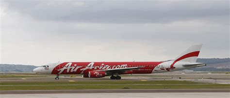 breaking airasia plane with 162 aboard missing in airasia plane with 162 on board missing in indonesia