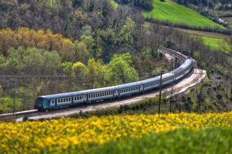 treni fs 171 l umbria guida umbria foto cartoline e immagini tuttocitt 224