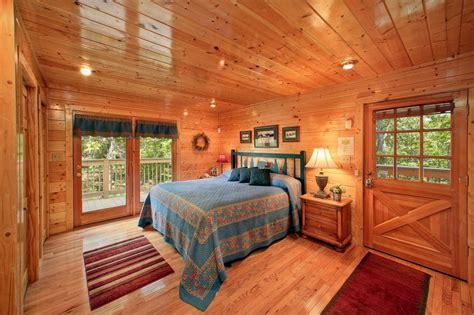 knotty pine delight cabin in gatlinburg elk springs