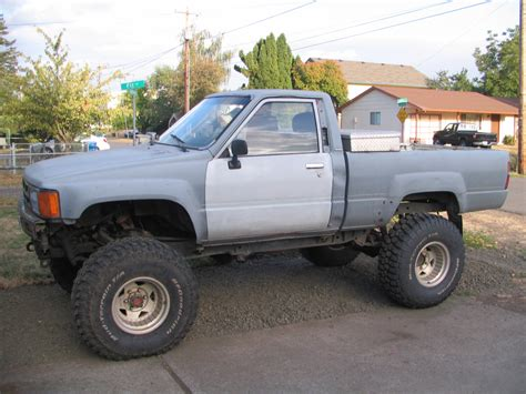 toyota truck lifted lifted toyota pickup www imgkid com the image kid has it