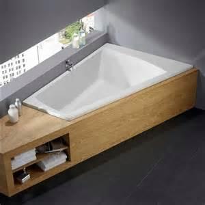 kombi badewanne eckbadewanne kaldewei mit regalen f 252 r badezimmer badewanne