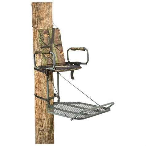 l on a stand guide gear deluxe hang on tree stand 177427