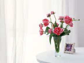 flower vase of flowers wallpaper