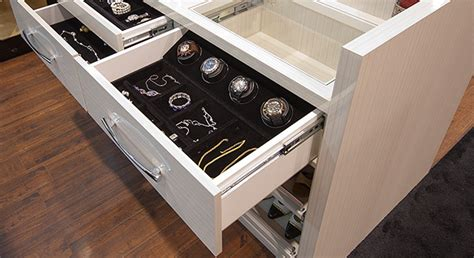 organize  watches   winders  save time