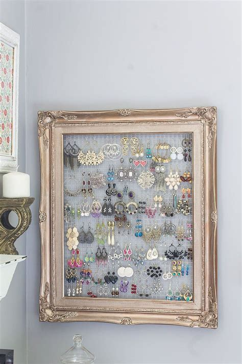 5 Ways To Reuse Picture Frames Don T Throw Away That Broken Picture Frame Here Are 17
