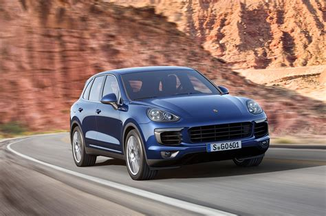 porsche suv 2015 2015 porsche cayenne first look photo gallery motor trend
