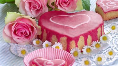 come fare una torta a forma di fiore come fare la torta a forma di cuore per la festa della