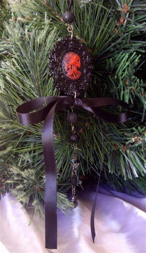 black gothic christmas tree decoration skeleton cameo