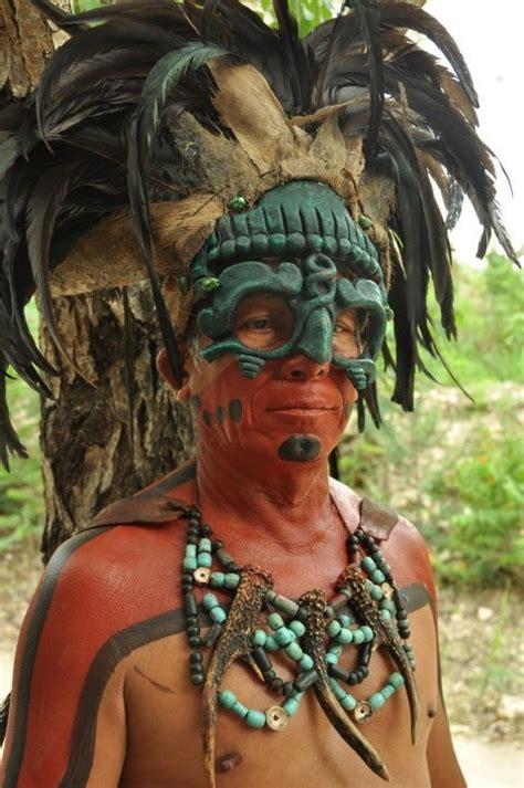 imagenes penachos mayas penachos alto relieve