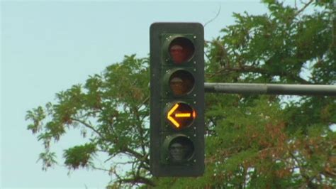 what does a flashing yellow light mean flashing yellow traffic lights what do they mean kboi