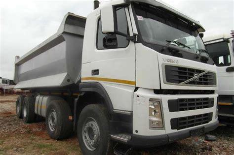 volvo twin steer  tipper tipper truck trucks  sale  gauteng  truck trailer