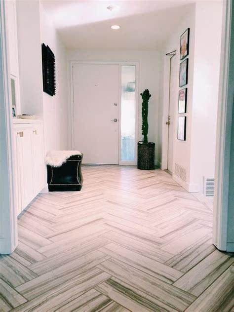 Best 25  Tile entryway ideas on Pinterest   Entryway
