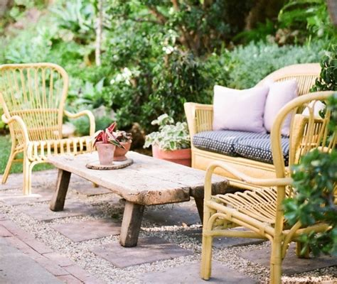 low cost luxe 9 pea gravel patio ideas to gardenista