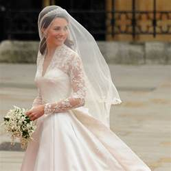 middleton wedding dress a closer look at