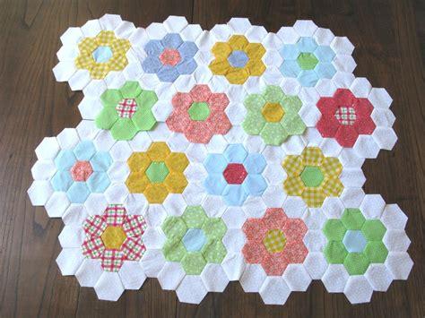 quilt pattern flower garden update on grandma s flower garden quilt carriewolf net